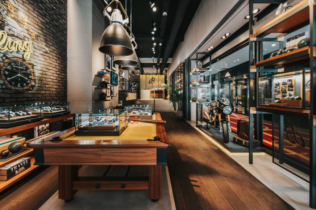 ¿Qué tienen en común motociletas y relojes? Esta nueva alianza entre Breitling y Triumph