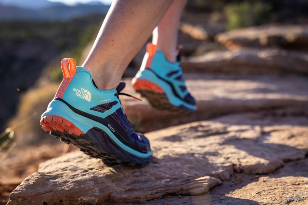 Las mejores zapatillas de running llegan de la mano de The North Face y son todoterreno.