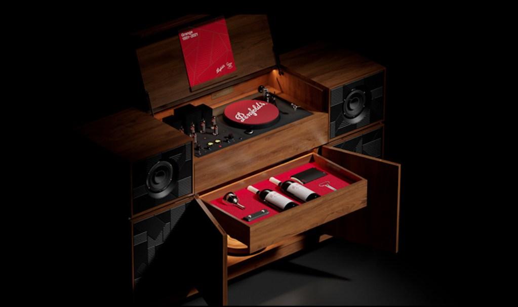 Penfolds lanza un tocadiscos vintage con un gabinete secreto para guardar tus botellas