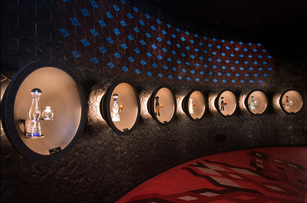 Este mes patrio, Clase Azul ofrece una experiencia inmersiva en El Palacio de Hierro Polanco