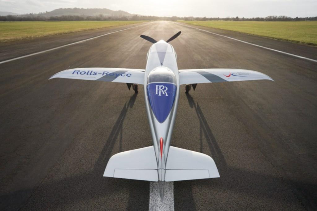 El primer avión eléctrico de Rolls-Royce alza el vuelo por primera vez