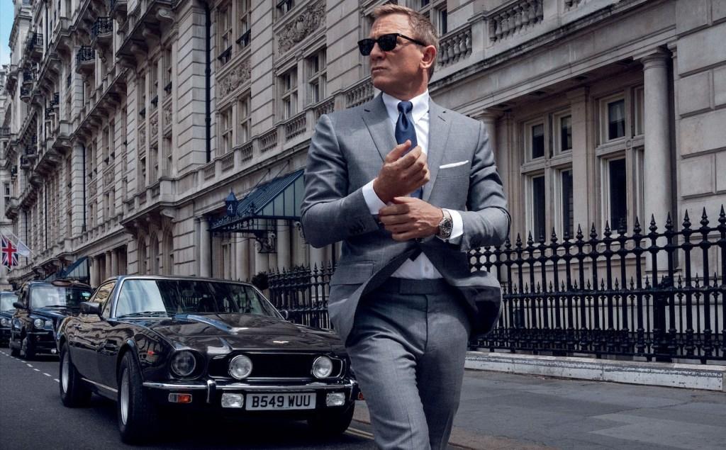 Siéntete como James Bond con estos artículos de edición especial