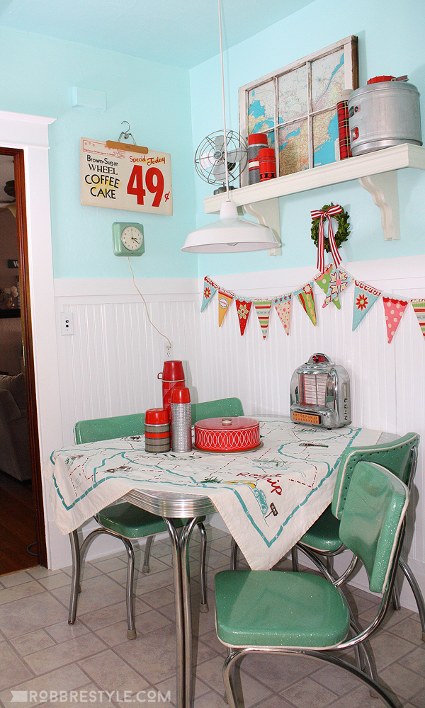 Retro Kitchen Decor by Robb Restyle