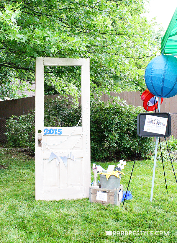 DIY Graduation Photo Booth