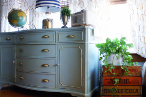 Favorite Furniture Makeover - Chalk Paint