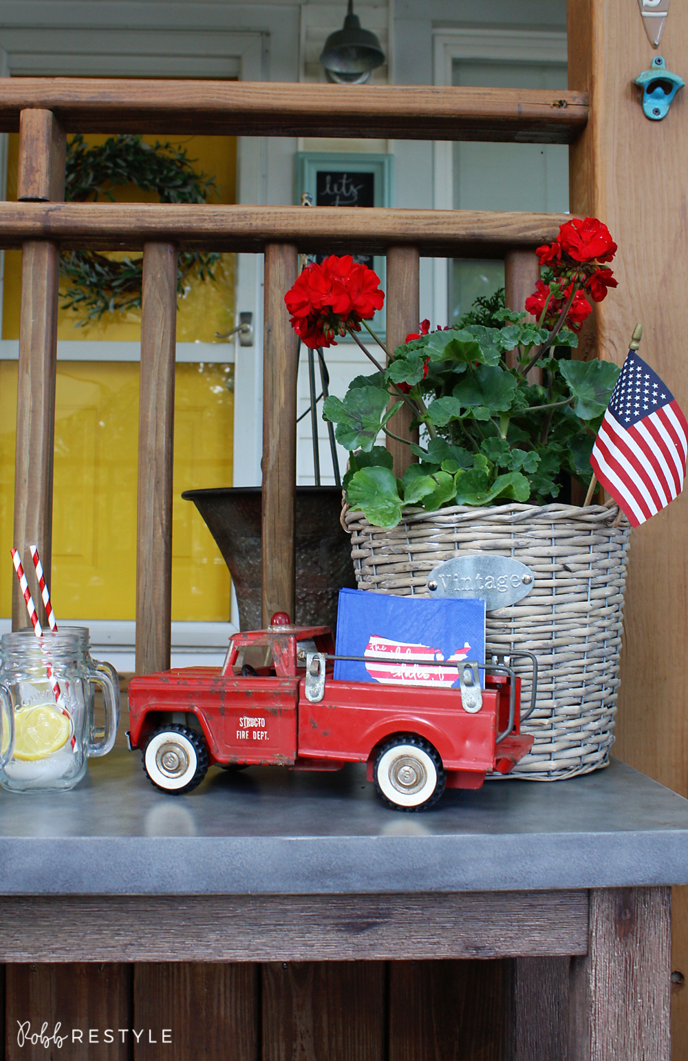 Vintage America Party Decor Idea