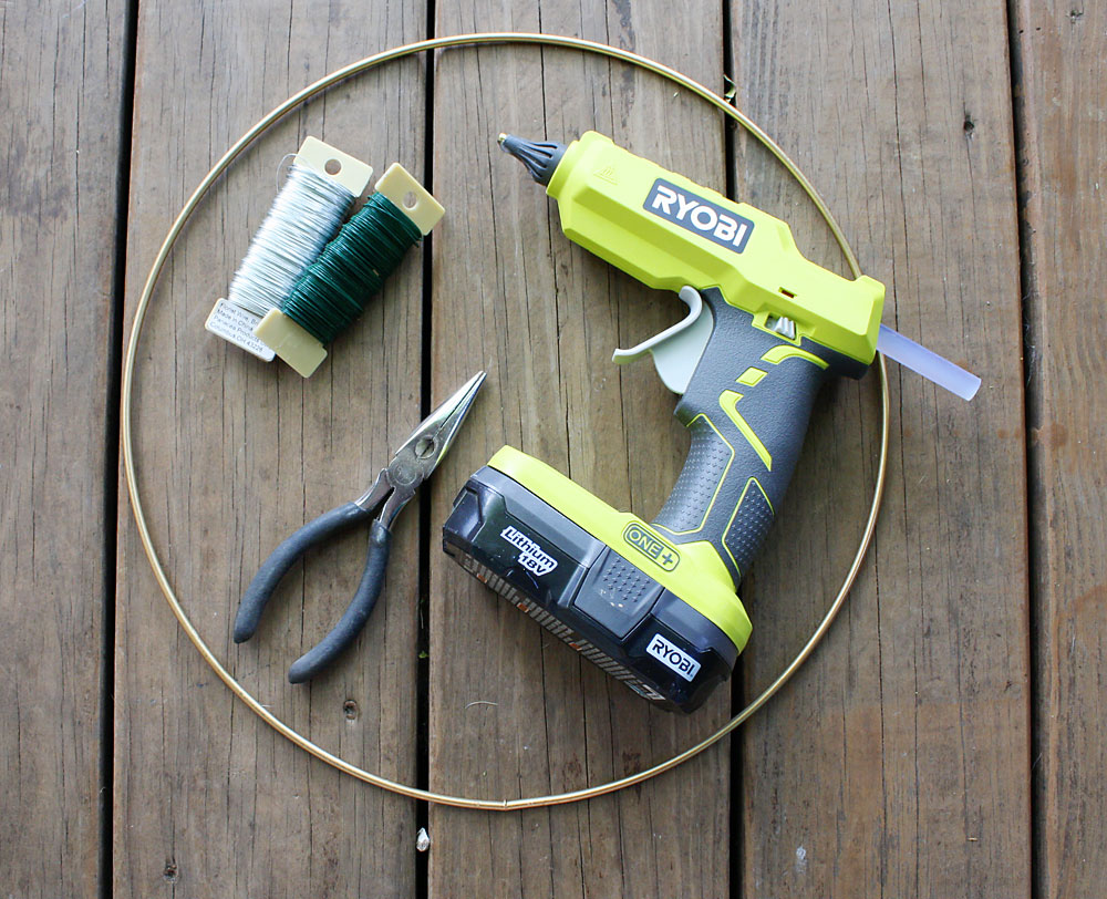 How to make hoop wreath - tools