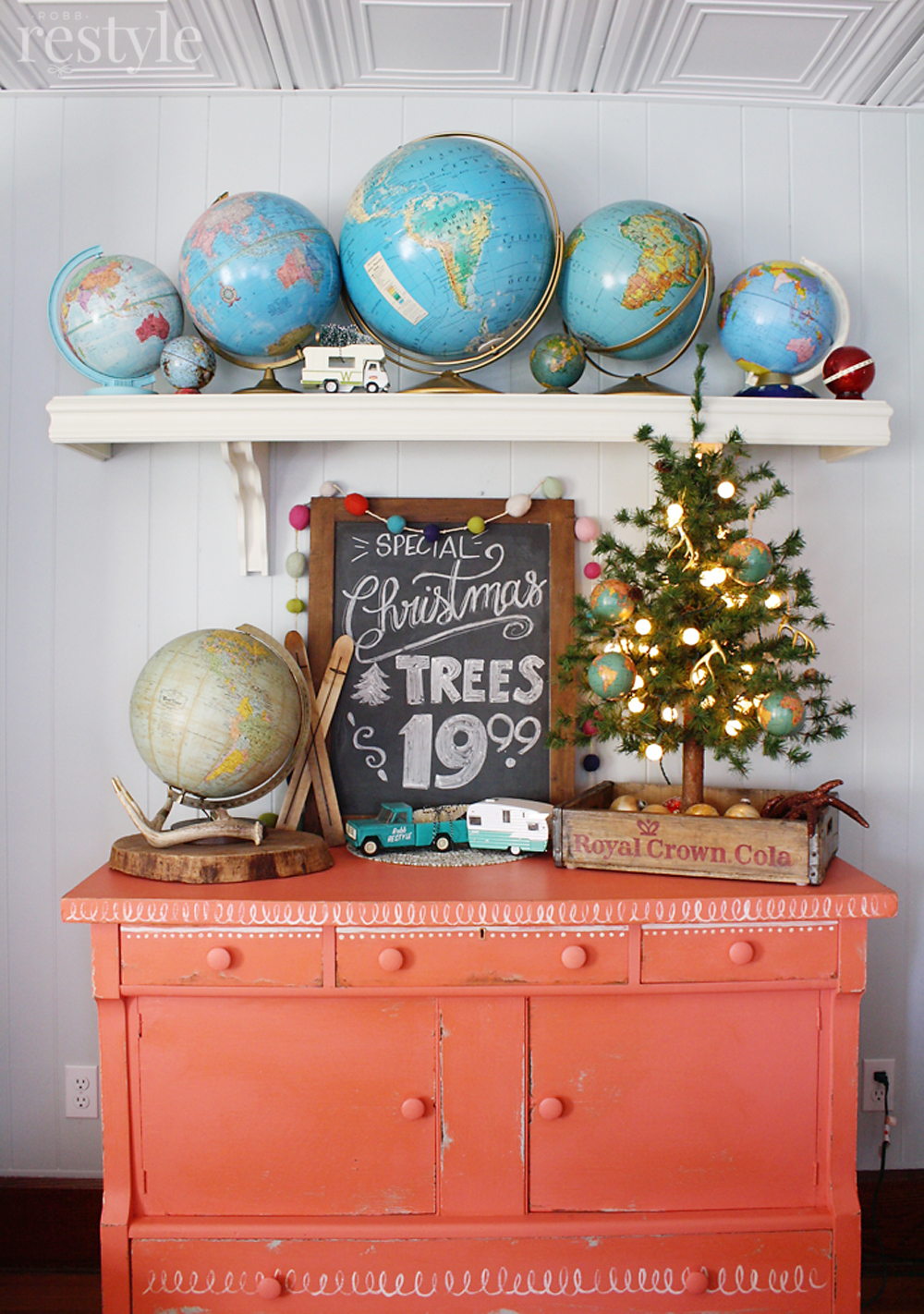 Holiday Vintage Globe Decor