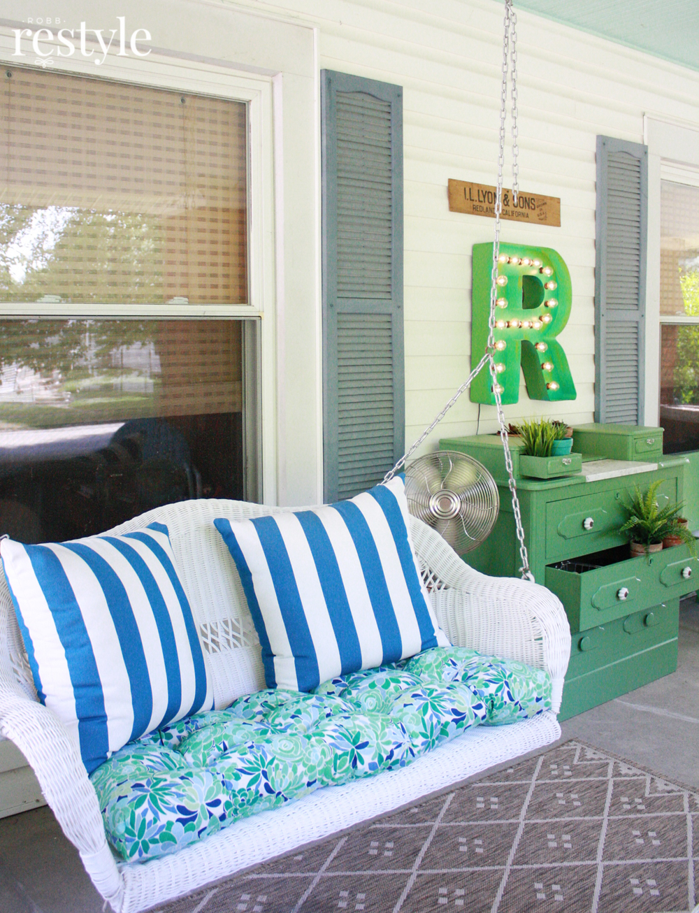 front porch swing decor