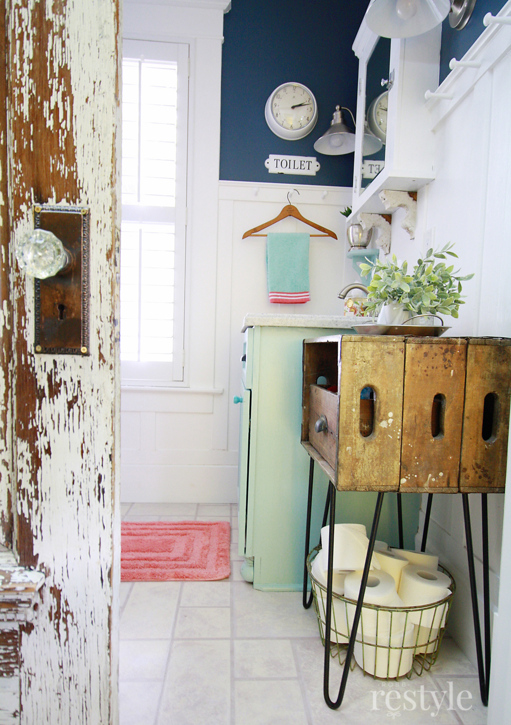 Small Bathroom Updates with Vintage Decor