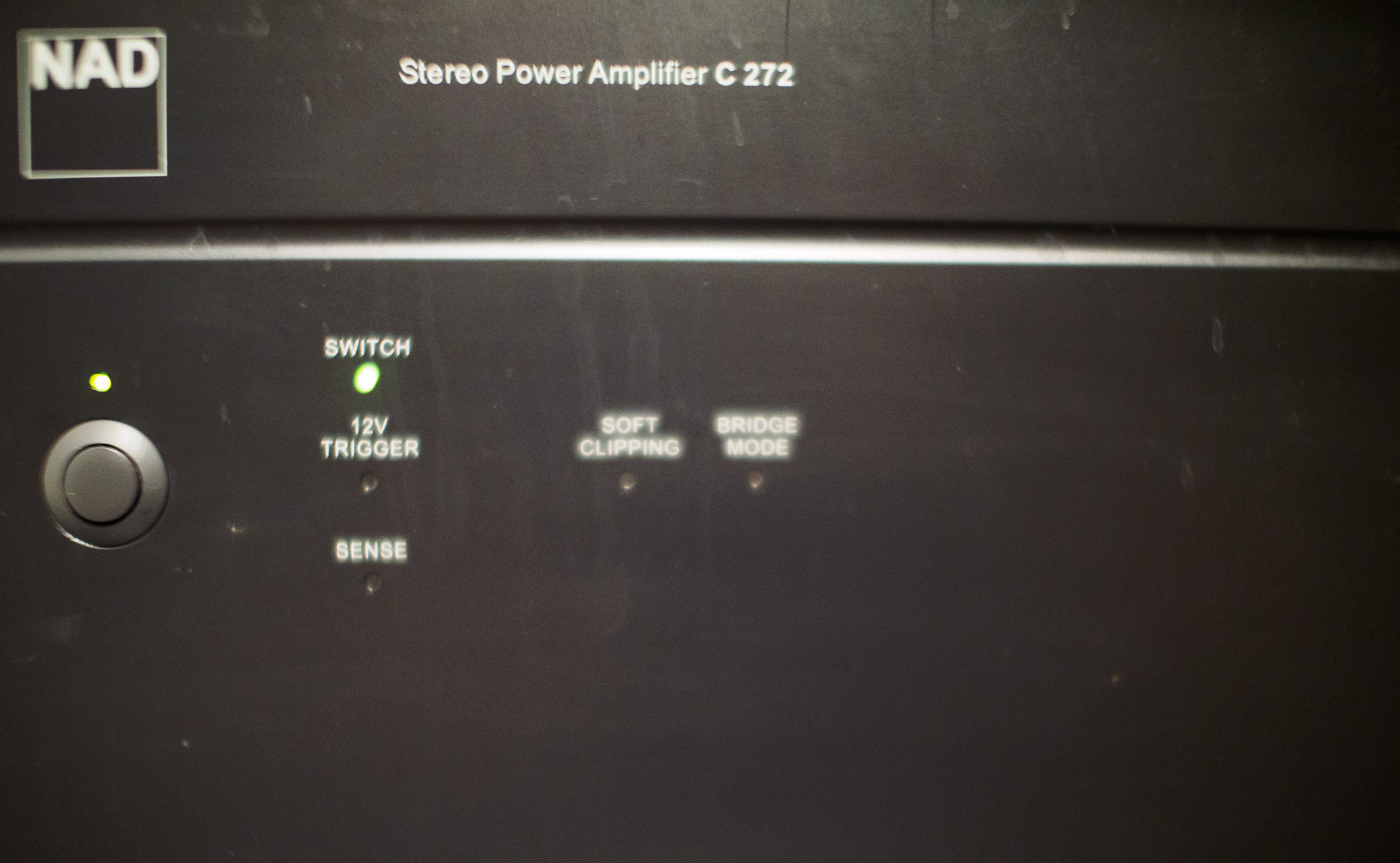 The old amplifier's faceplate.