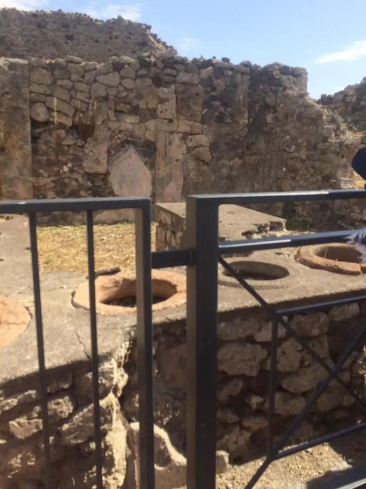 Fast food in pompeii