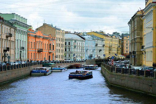 saint-petersburg-2612675__340.jpg