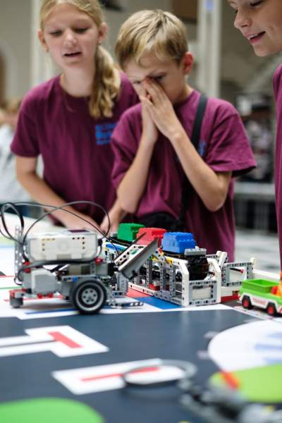 SHG KIDS CHALLENGE ROBOTER FAHRT
