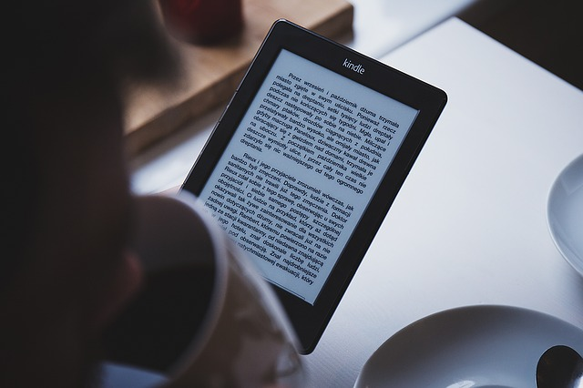reading Kindle