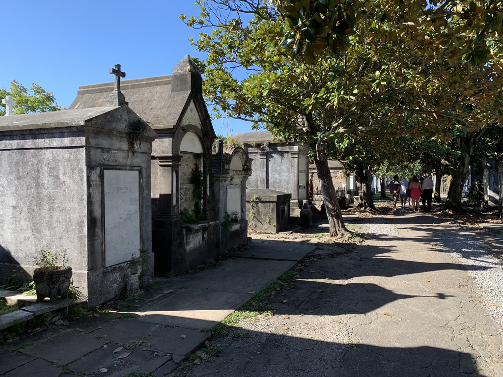 Lafayette Cemetery - Airport - Bye bye New Orleans