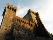 ALDOBRANDESCA FORTRESS, PIANCASTAGNAIO, SIENA, TUSCANY (ITALY) : THE ENCHANTING AND WONDERFUL LOCATION OF ROBERTO ALBORGHETTI 2012 SHOW