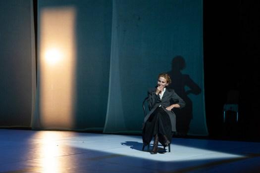 Le eccellenti - Marcela Serli come Lise Meitner in Le eccellenti (ph. Vito Lorusso)