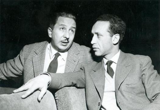 Nico Pepe e Gianfranco De Bosio in una foto (1957) dell'archivio del Teatro Stabile di Torino