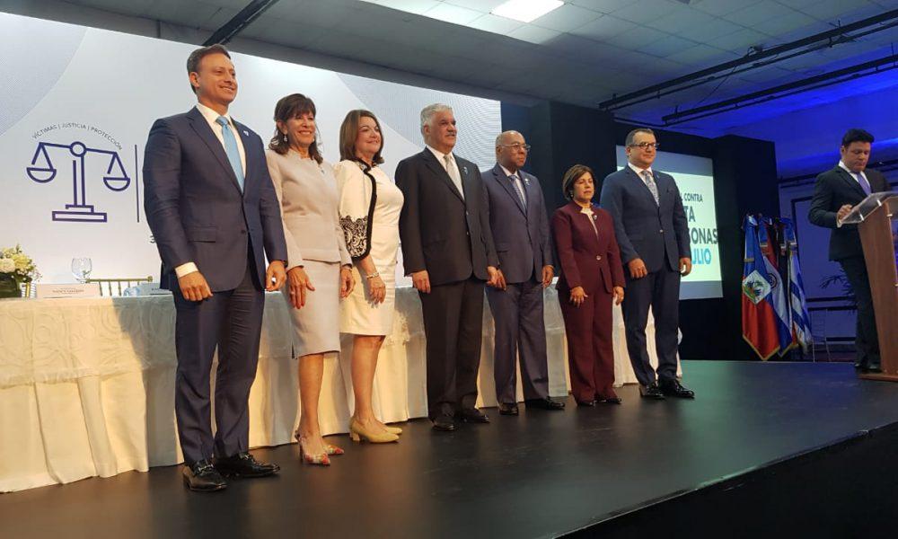 """Canciller Miguel Vargas: combate a trata de personas y protección de víctimas es """"alta prioridad"""" para Gobierno RD"""