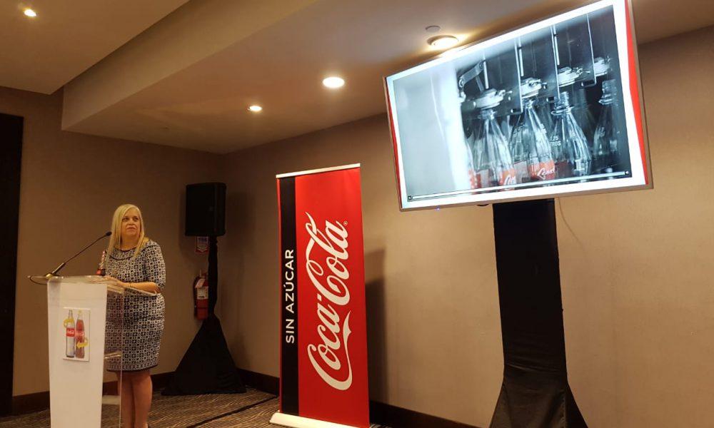 """Coca-Cola lanza campaña """"Vivamos más Retornable"""""""