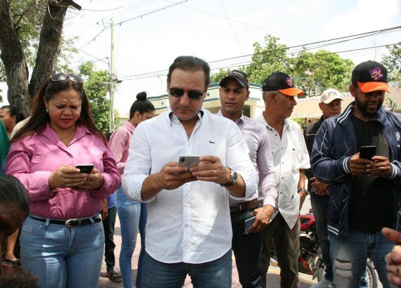 Alcalde Abel Martínez deja instalado Wifi gratuito en bulevar de Los Ciruelitos