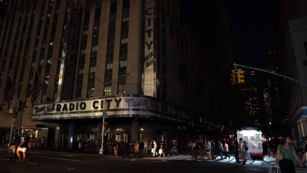 Un apagón deja a oscuras a Manhattan durante casi cuatro horas