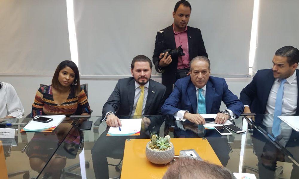 Reinaldo Pared se reúne con la Asociación Nacional de Jóvenes Empresarios (ANJE)