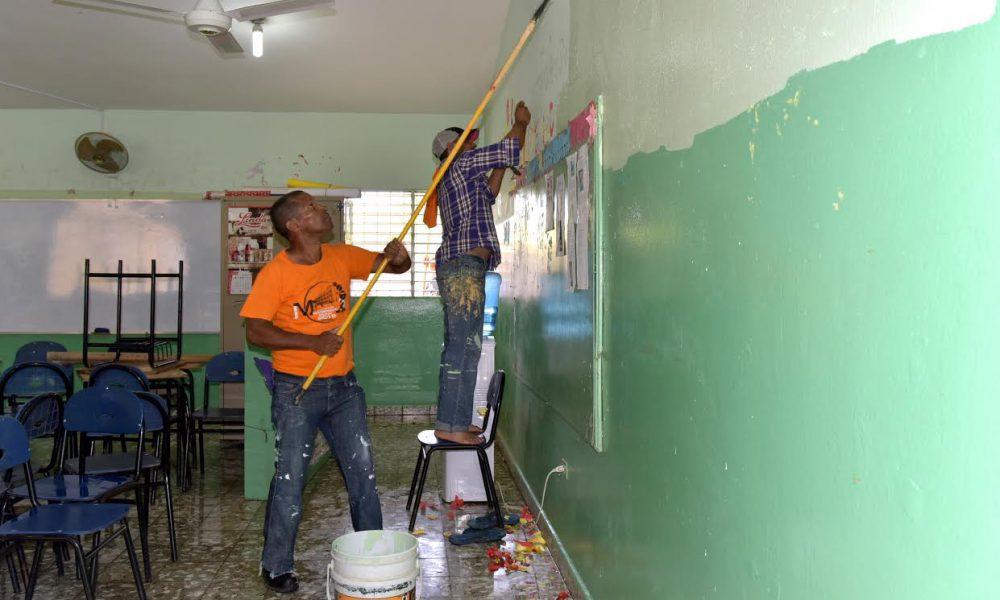 Ministro de Educación dispone jornada de limpieza y adecuación de las escuelas para reinicio del año escolar