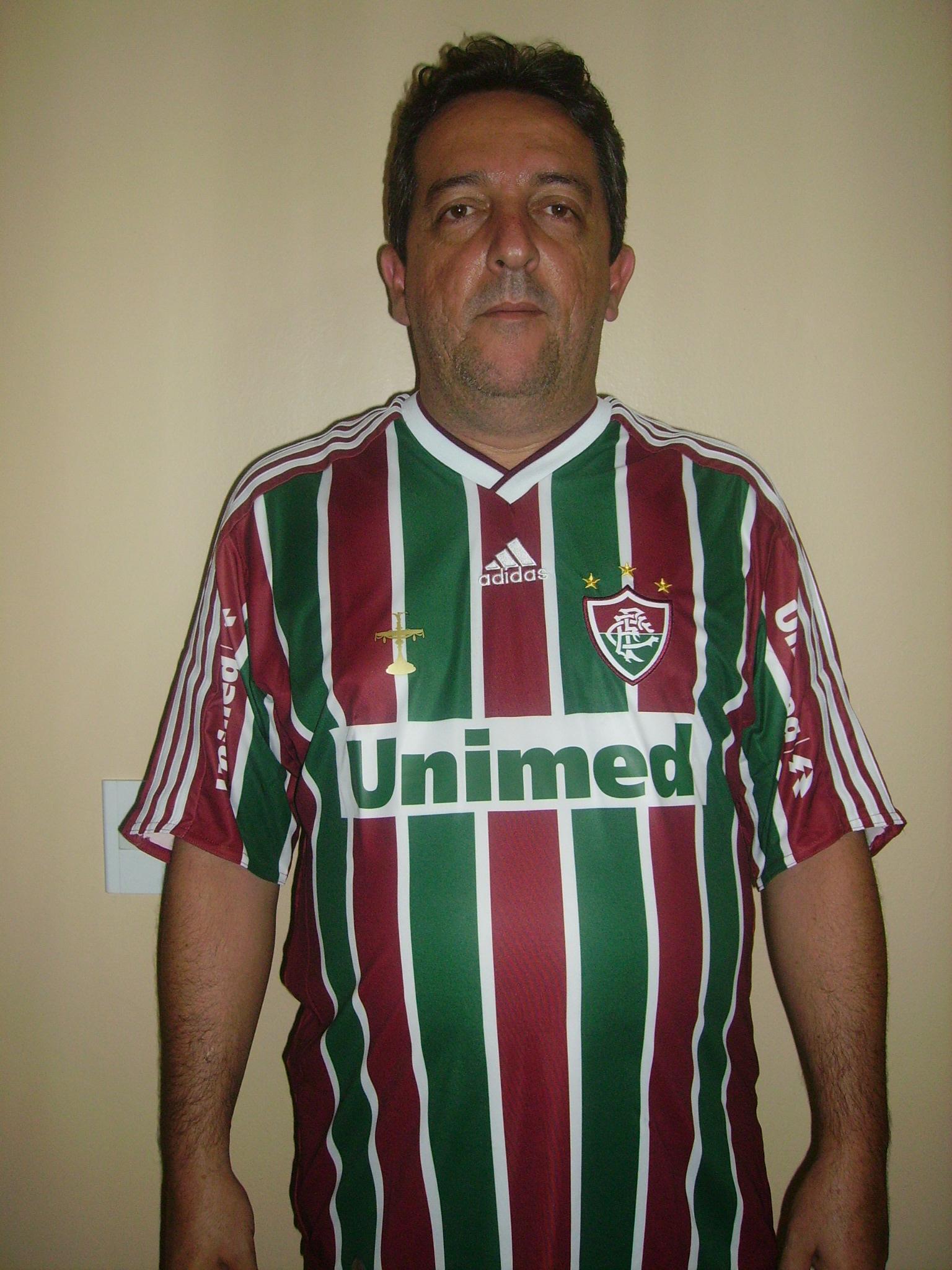 Vestir a nova camisa do Fluminense é uma forma de demonstrar o meu amor pelo Fluzão (foto Eliana Buchaul)