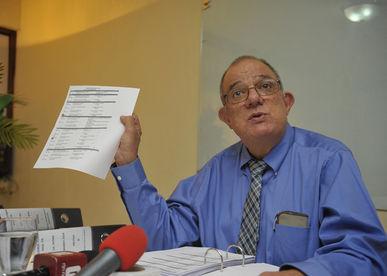 Doctor Raúl Valverde Robert, Jefe de Cirugía del Hospital Calderón Guardia fue REINCORPORADO a sus funciones el día de ayer.