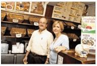 Malcon e Isabel Matheson propietarios de Bagelmens, cometen apropiación y retención indebida de dinero.