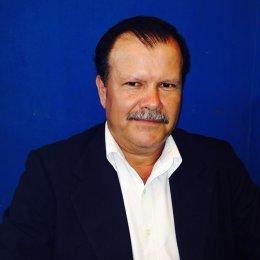 Dip Abelino Esquivel evade sus responsabilidades como legislador.