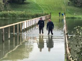 Roberto Rotatori and Mark Todd walking the CIC3* cross country course in Blenheim UK 2017