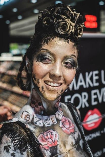 Reportaje en Sephora Zaragoza del maquillaje corporal de la marca MakeupForever