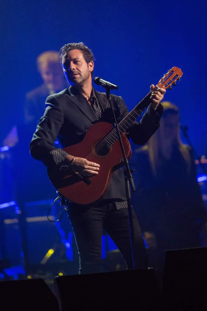 Leonard Cohen's son, Adam Cohen, performing at the memorial concert for his father in Montreal, November 6, 2017. (Michel Couvrette)
