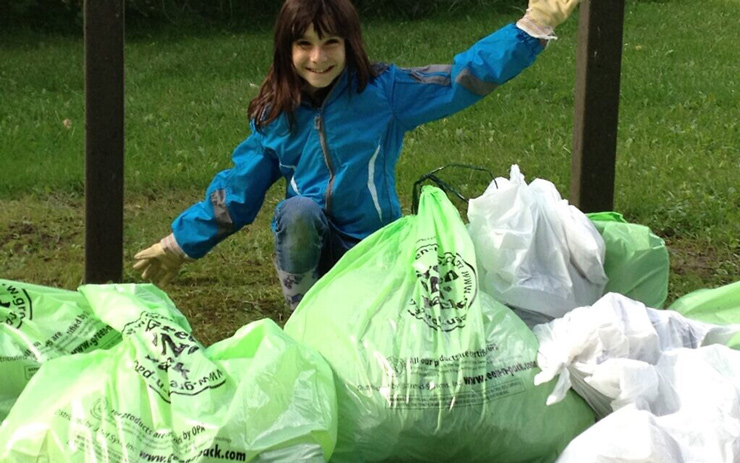 Hannah Alper takes part in the Great Canadian Shoreline Cleanup, in Richmond Hill, Ontario, September 2012.