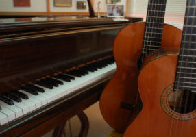 country_music_guitar_piano