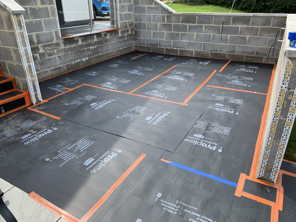 All patio area fully protected with the best sheeting.