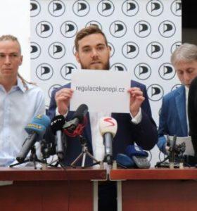 Legalizace konopí na pořadu Sněmovny: Oslovte poslance!