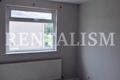 rentalism-photography-the-existential-misery-of-renting-robert-what-08