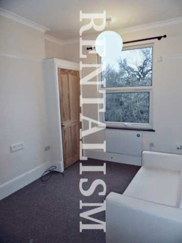 rentalism-photography-the-existential-misery-of-renting-robert-what-60
