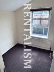 rentalism-photography-the-existential-misery-of-renting-robert-what-66