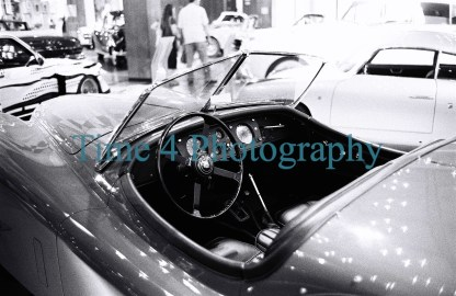 Jaguar 1955 convertible two seater XK 140 OTS, dashboard, black and white picture