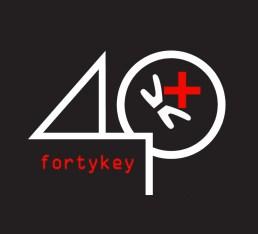 logo40K+WHITE