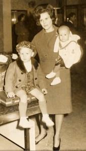 hazel-boys-arriving-in-lebanon