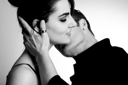 Art of Touching A Woman - Kiss 1.jpg
