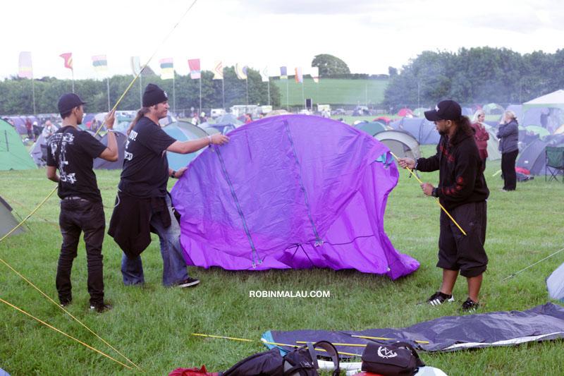 Mendirikan Tenda