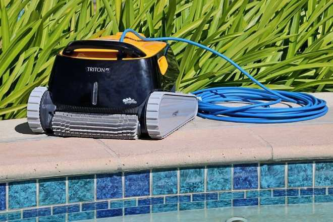 Dolphin Triton PS Robotic Pool Cleaner with PowerStream Ideal for Pools Up to 50 Feet.