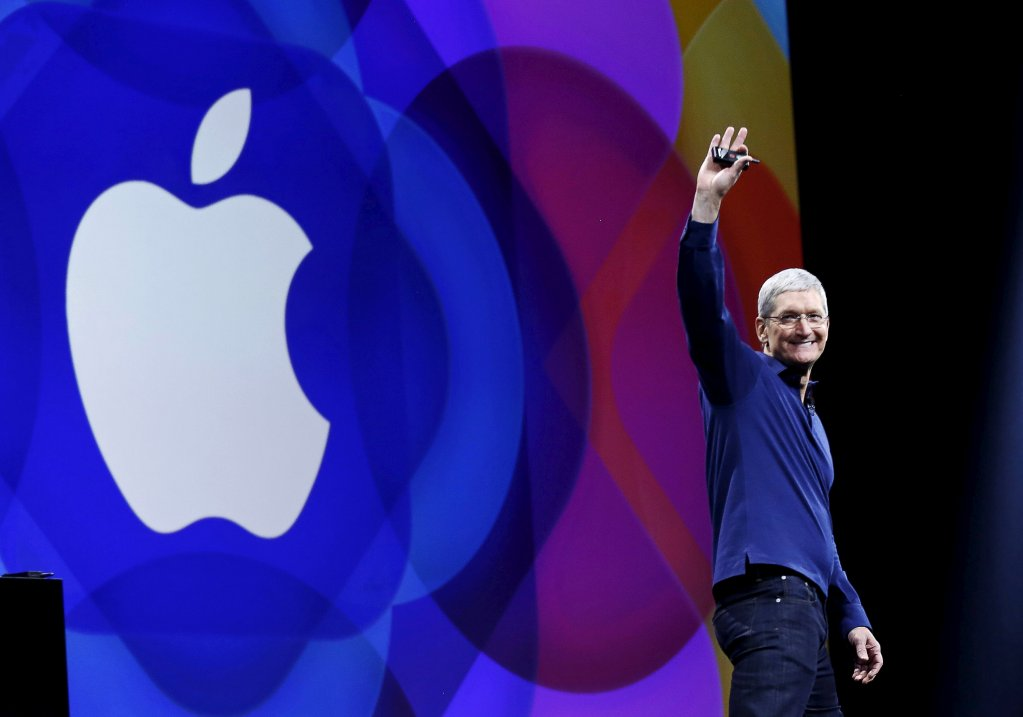 Apple to invest $1 billion in advanced manufacturing companies in the US